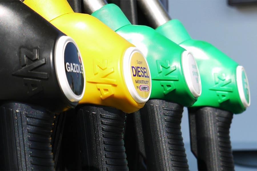 Petrol fiyatları yıl başından bu yana yüzde 40 yükseldi