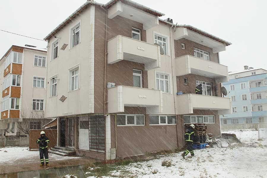 Tekirdağ'da 3 yaşındaki çocuk yangında hayatını kaybetti