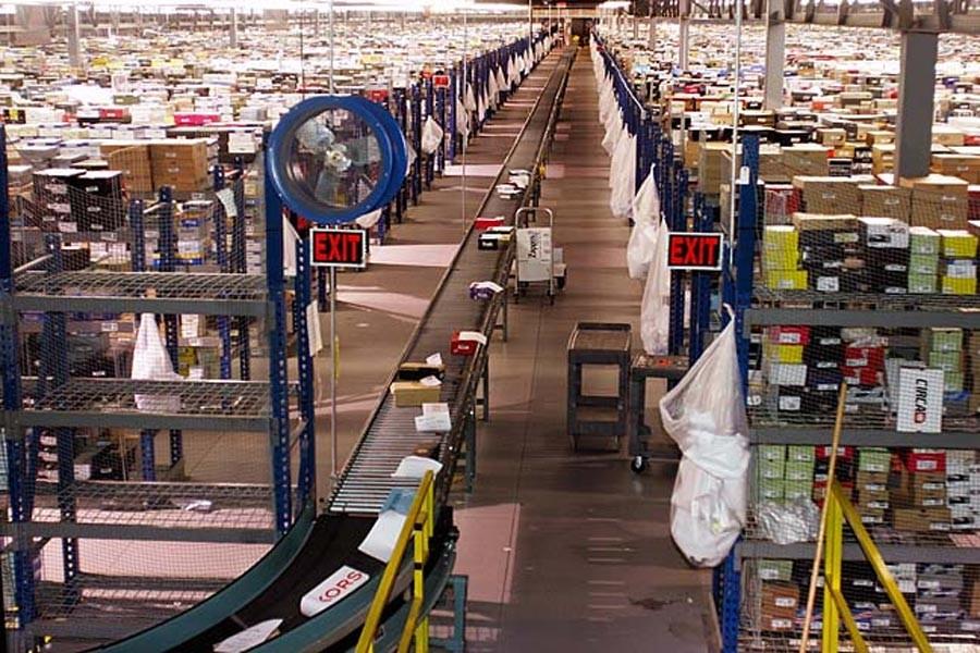 Kötü çalışma koşullarıyla tanınan Amazon en değerli şirket oldu