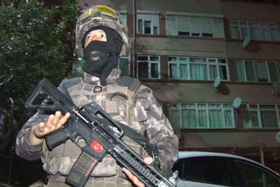 İstanbul'daki narkotik operasyonunda yakalanan lider eski polis çıktı