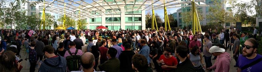 Google Sunnyvale kampüsünde 1 Kasım 2018'de düzenlenen iş bırakma (Fotoğraf: Grendelkhan/ WikimediaCommons / CC BY-SA 4.0)