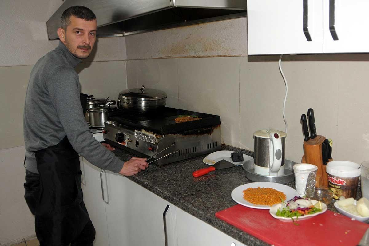 Türkiye'de öğretmen olmak: Ataması yapılmadı, lokantacı oldu