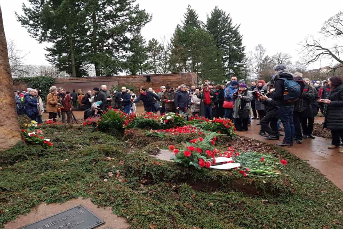 Rosa Luxemburg'un mezarı