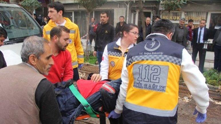 Belediye inşaatında vinç koptu: 3 işçi yaralandı