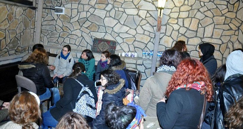 Kafede taciz iddiasına kadınlar tepki gösterdi