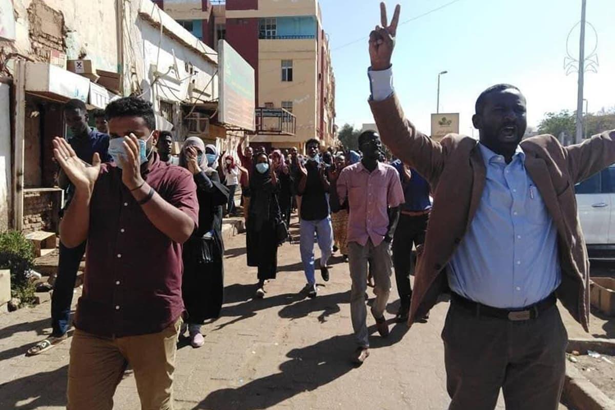 Sudan'da genel grev haftası: Askeri cunta dış destek arayışında