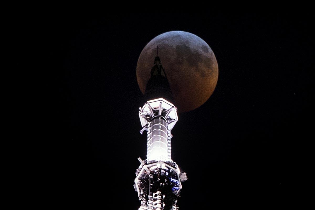'Kanlı Ay' tutulması gerçekleşti