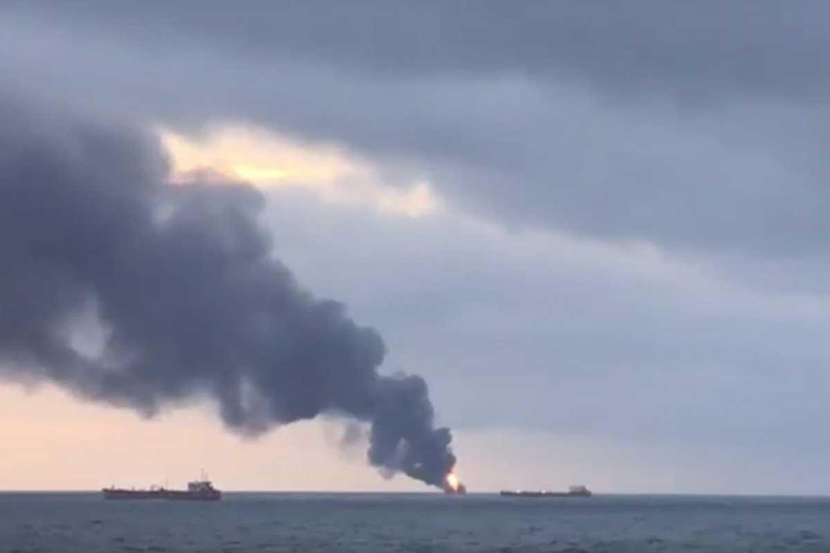 Kerç Boğazı'nda 2 gemide yangın çıktı, 4 Türk mürettebat öldü