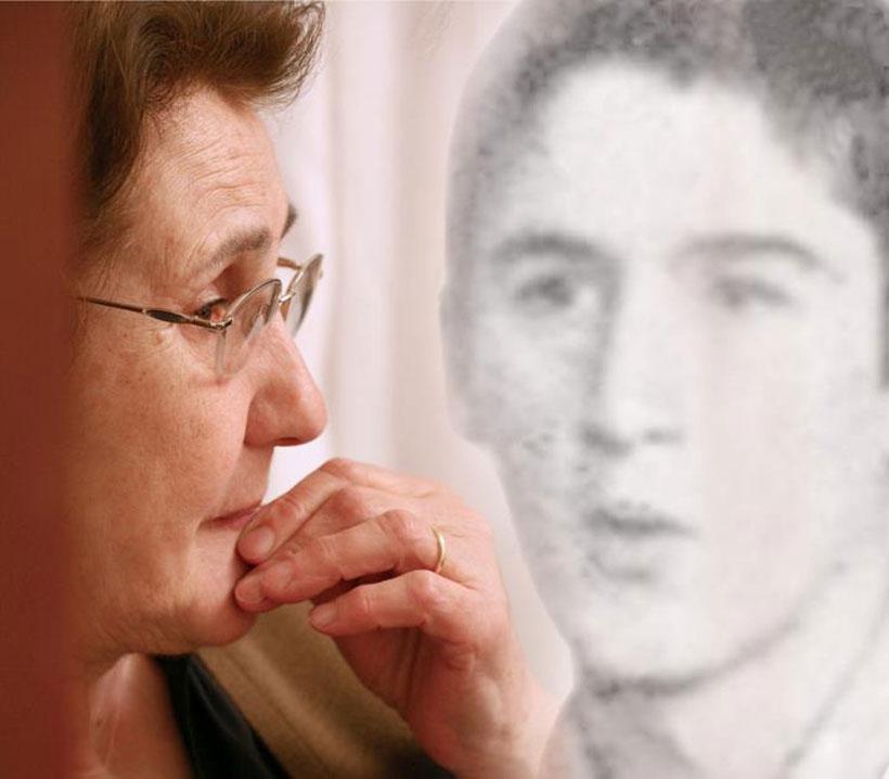 Oğlunu gözlerindeki hüzünde taşıyan kadın: Şadan Eren