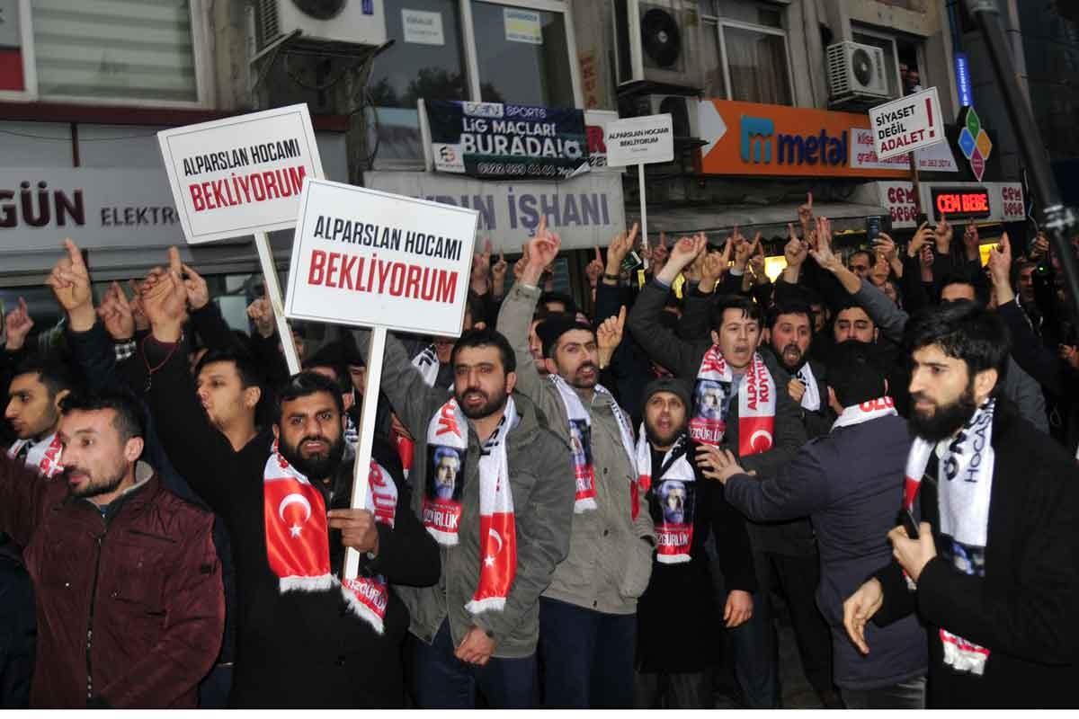Furkan Vakfı Başkanı Alparslan Kuytul'a tahliye kararı