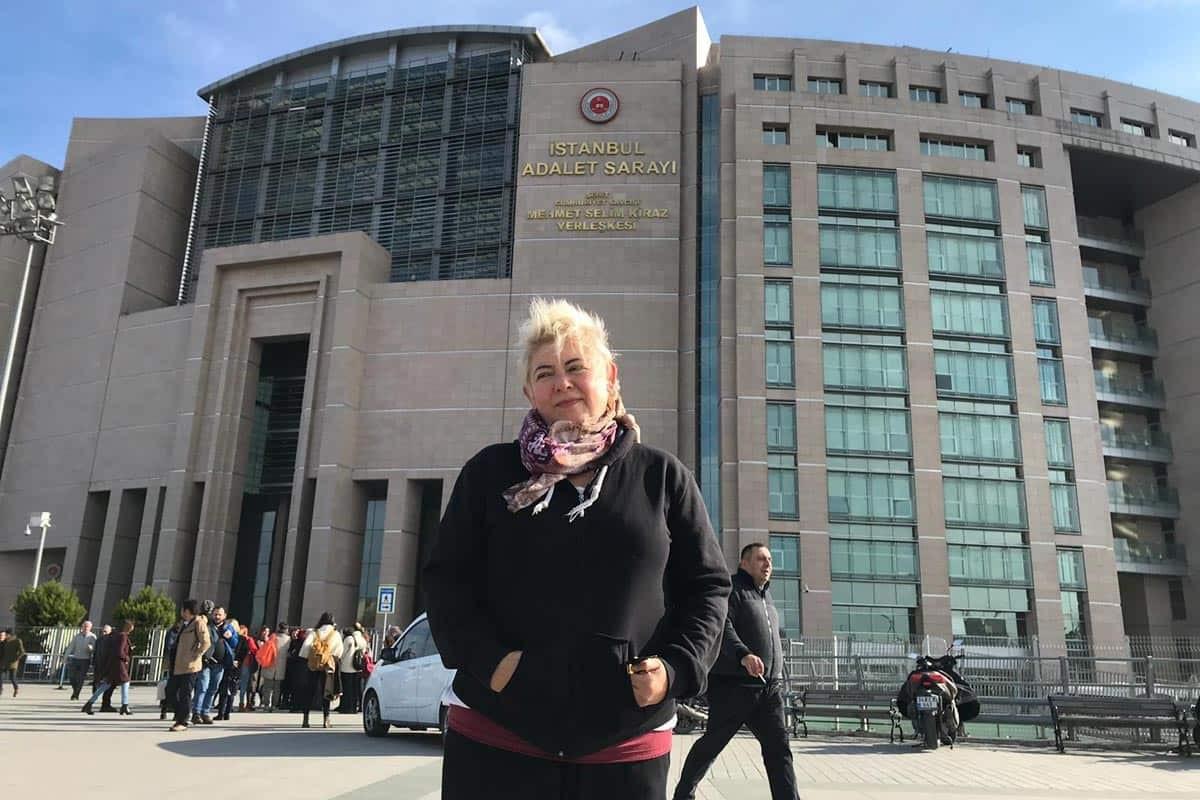 Ayşe Düzkan'ın açık cezaevine geçme başvurusuna yanıt verilmiyor