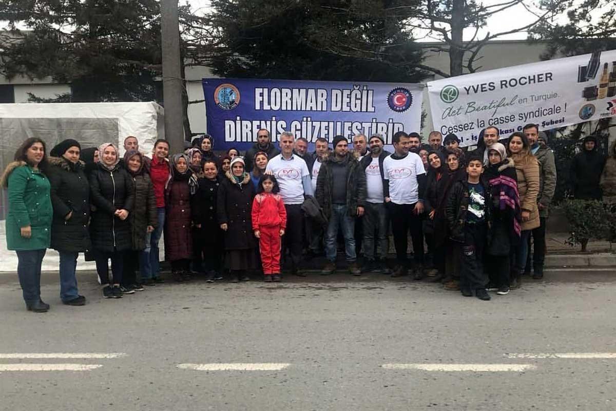Emeklilikte yaşa takılanlar Flormar işçilerini ziyaret etti