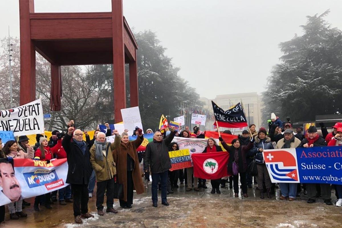 Venezuela'ya darbe girişimi İsviçre ve İngiltere'de protesto edildi
