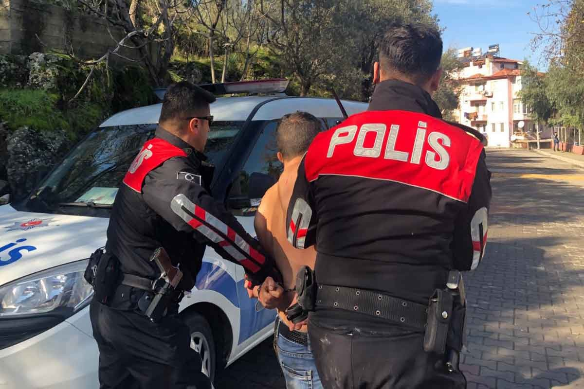 Evine zorla girdiği kadına cinsel saldırıda bulunan kişi yakalandı