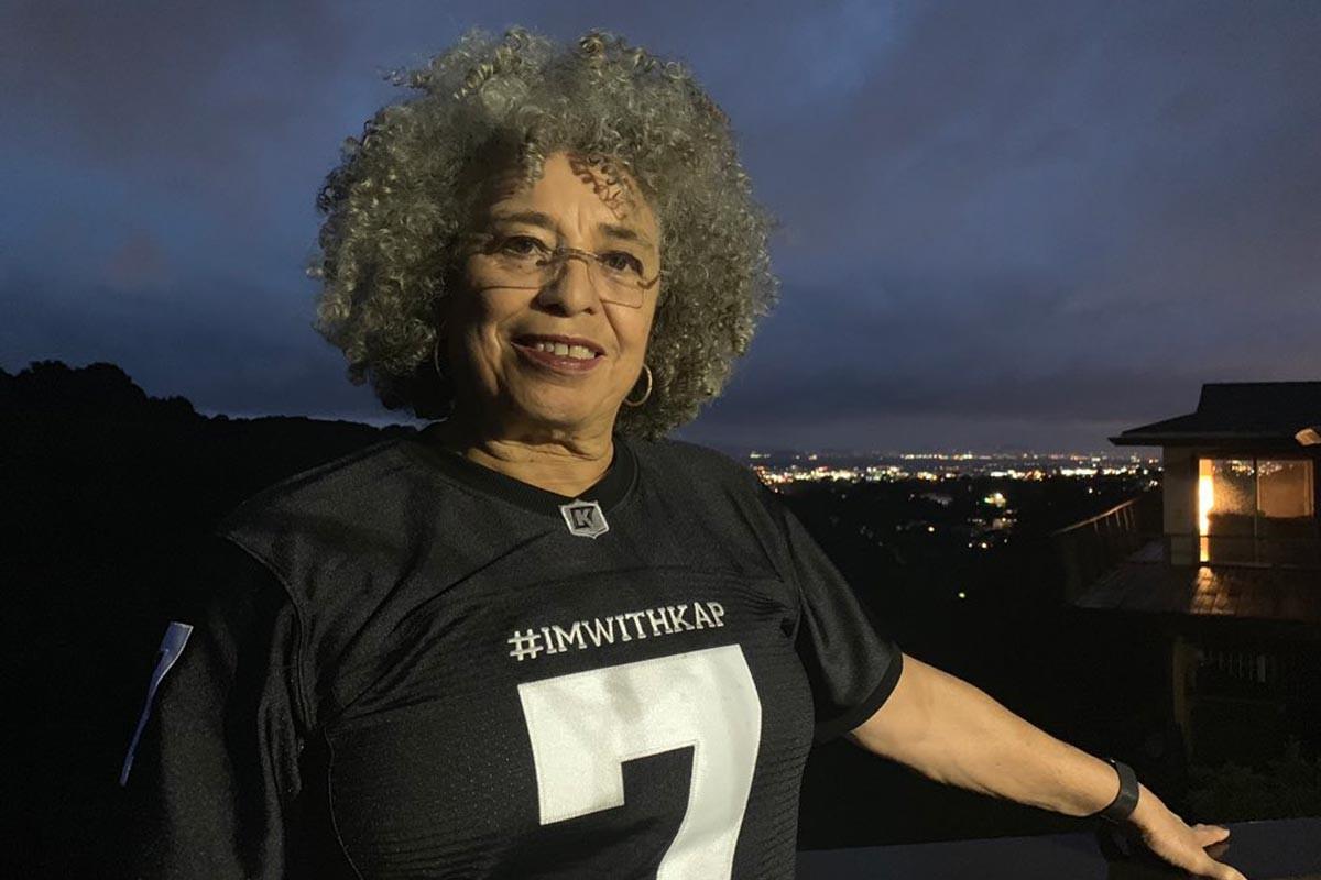 Super Bowl öncesi Colin Kaepernick'e destek yağıyor