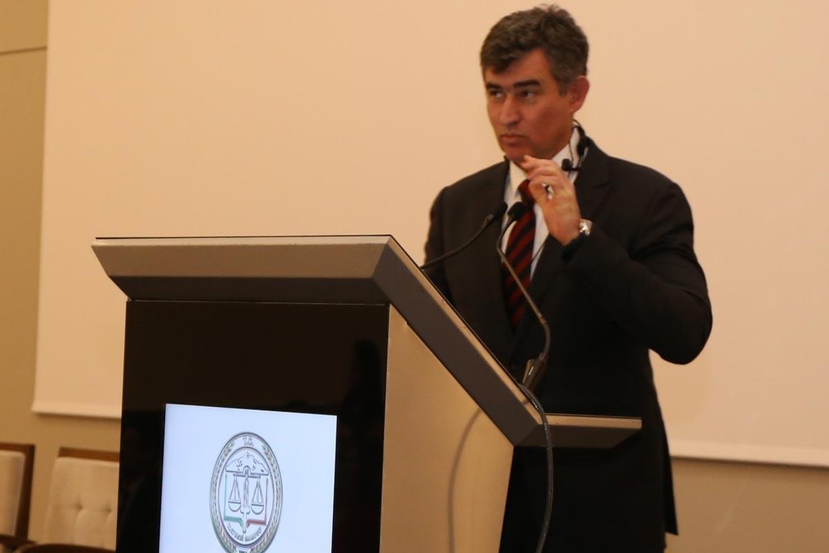 Hukuk örgütlerinden Metin Feyzioğlu'na tepki: Bizleri temsil edemez