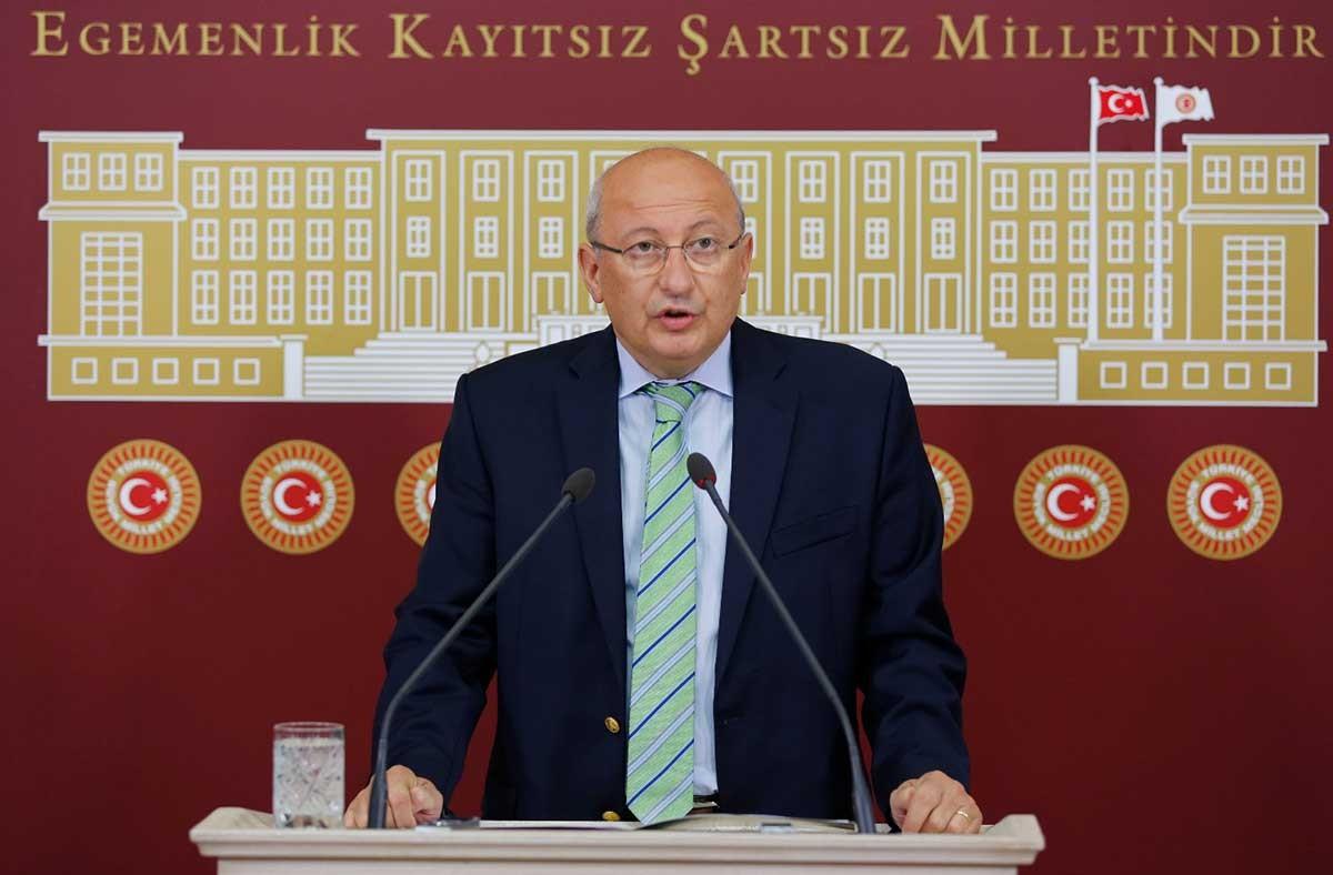 CHP Milletvekili Utku Çakırözer, gazeteci Hüseyin Aykol'u ziyaret etti