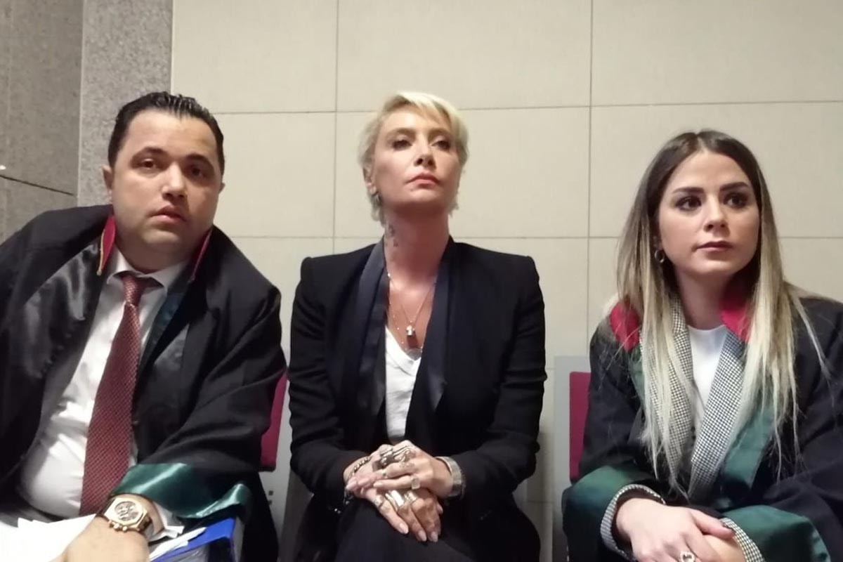 Sıla Gençoğlu ve avukatları