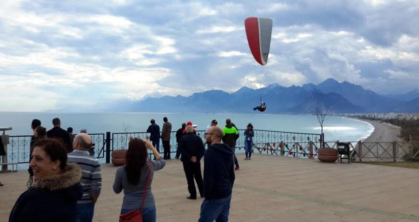 Antalya'da yamaç paraşütü yapmak yasak