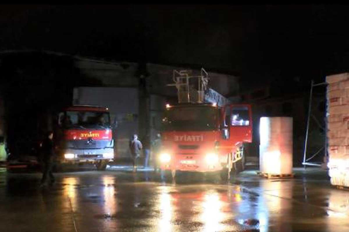 Diyarbakır'da plastik fabrikasında yangın: İşçiler dumandan etkilendi
