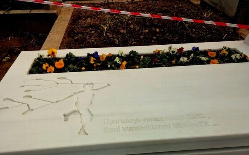 Bir mezar hikayesi (!)