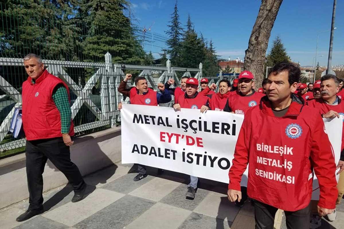 Metal işçileri bakanlık önünde EYT'de adalet istedi