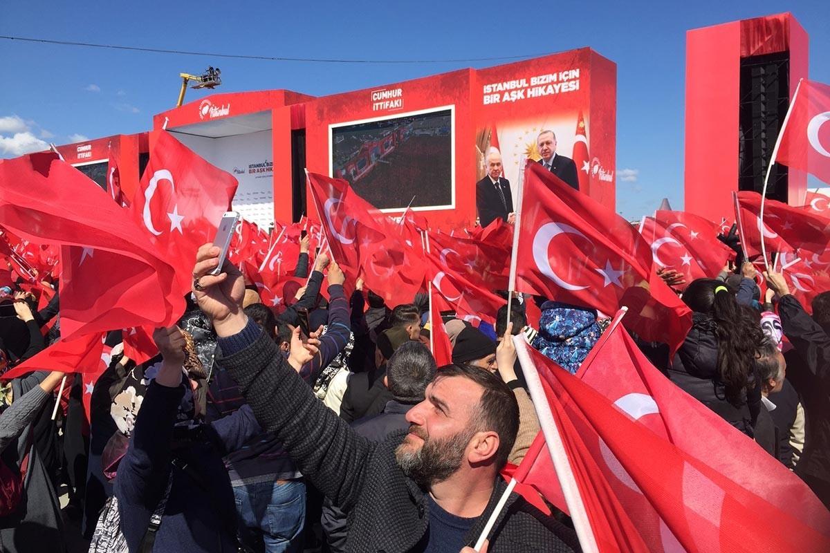 Battle of the Yenikapı Square | Evrensel Daily - Evrensel.net