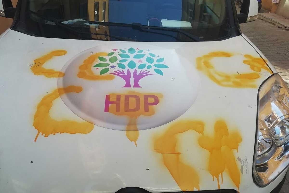 Çanakkale'de HDP seçim araçlarına saldırı