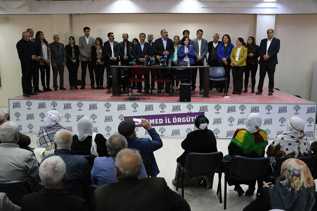 Diyarbakır Belediye Başkanı HDP'li Mızrak'a ilk günden soruşturma
