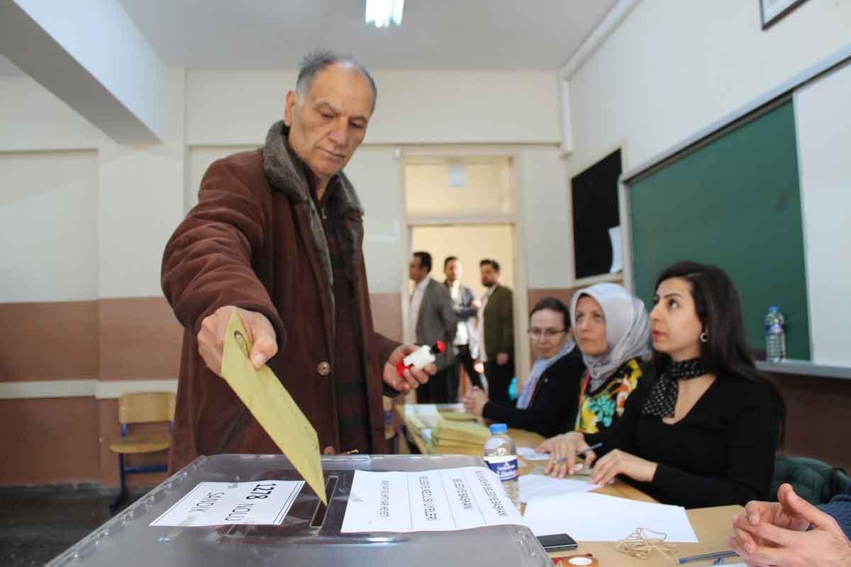 YSK'den İstanbul açıklaması: 13 seçim müdürü başka illere görevlendirildi