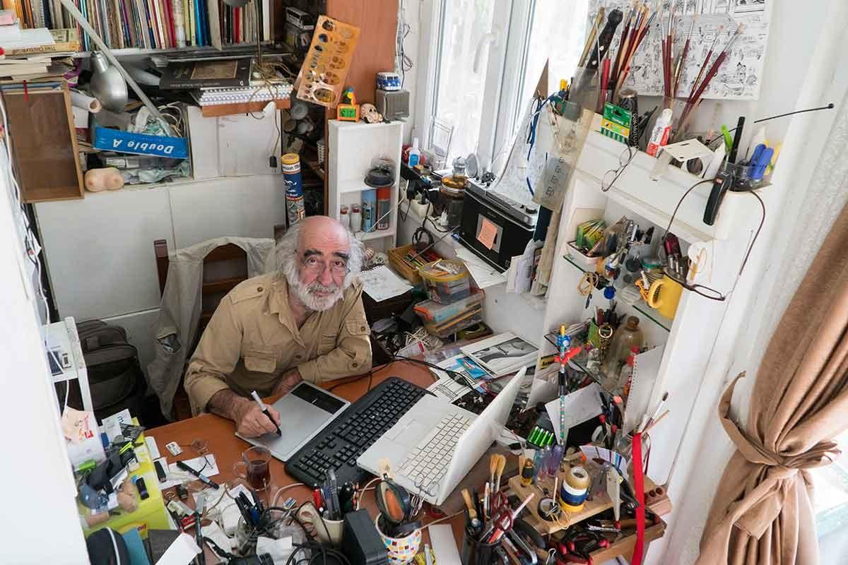 Dünyada en çok portresi çizilen karikatürist : İbrahim Tapa