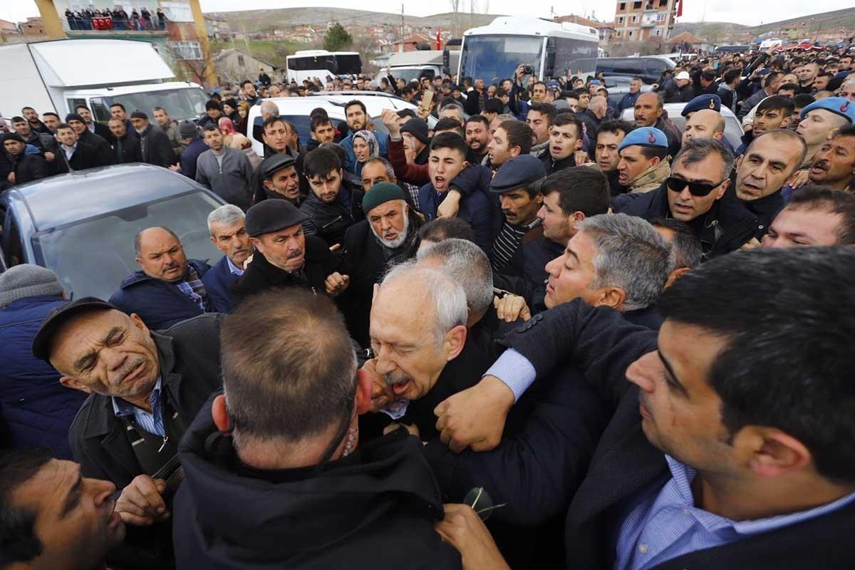Kemal Kılıçdaroğlu'ya saldırı