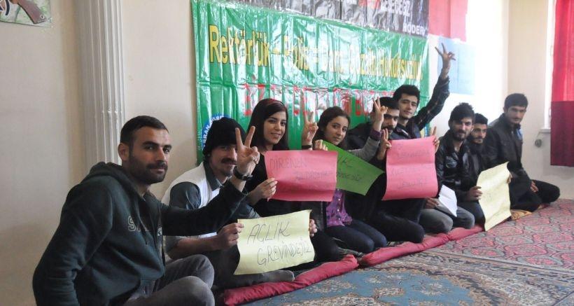 Açlık grevindeki öğrencilere bir destek de Harran'dan