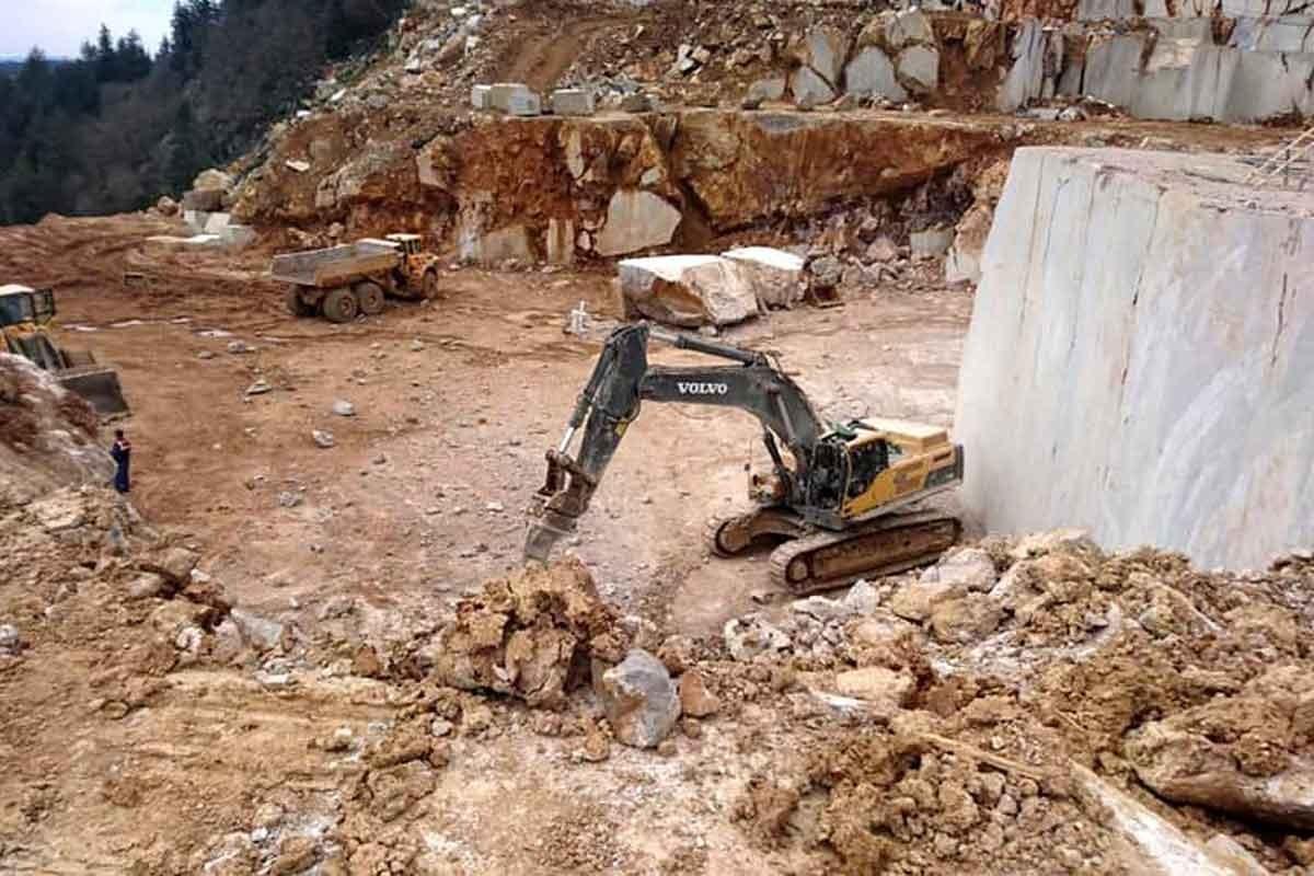 Niğde'de iş cinayeti: Maden ocağında üzerine kaya parçası düşen işçi öldü