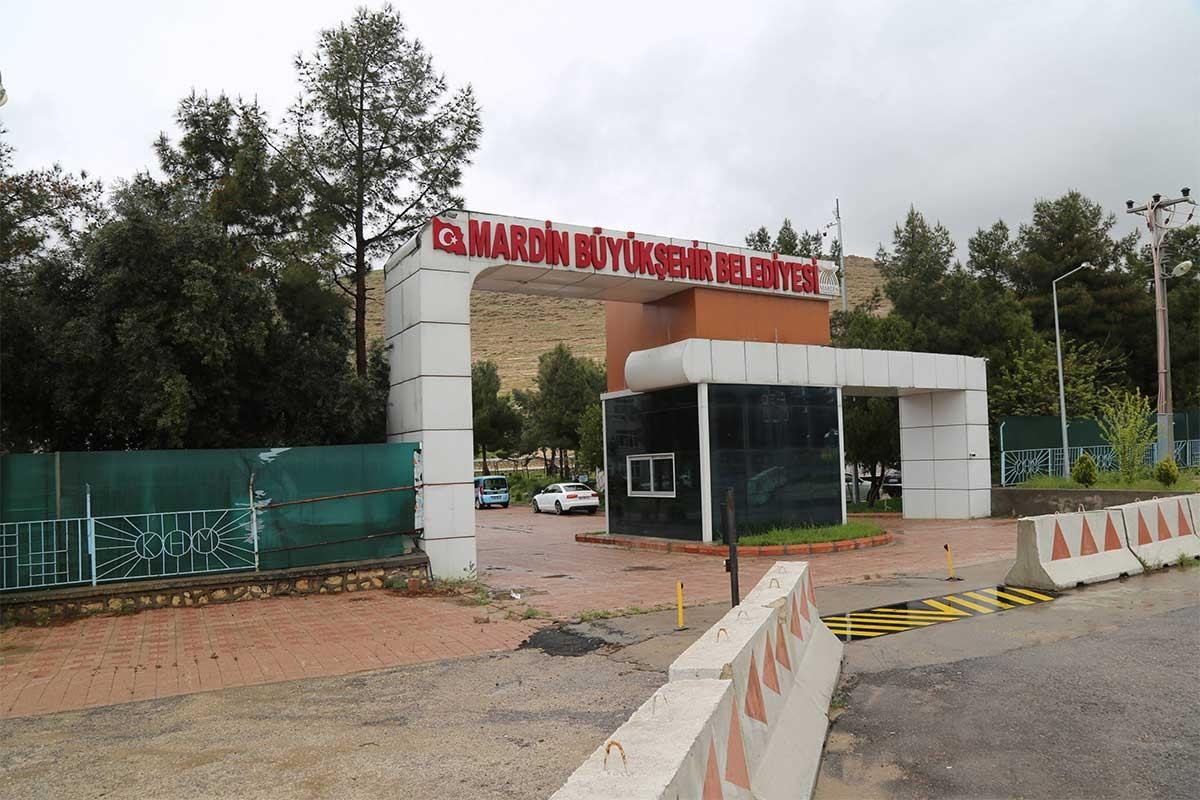 Erdoğan 'Ah üzerinden siyaset bina edilmez' dedi ama kayyumlar işçi kıyımı yapıyor