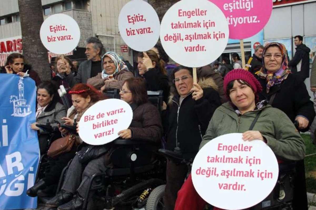 Dünya Engelliler Haftası | Engelli kadınlar: Eksik değil farklıyız!