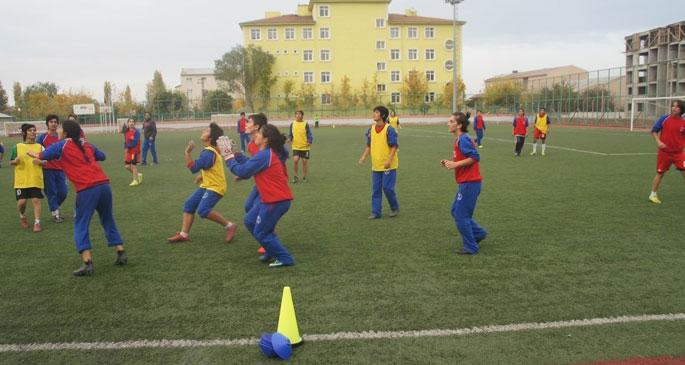 'Futbol sadece erkeklerin oyunu değil'