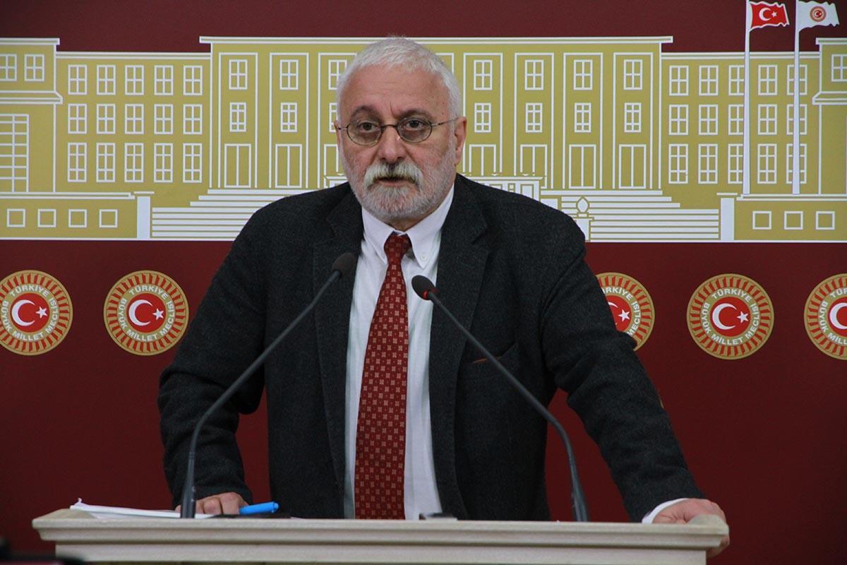 HDP'li Saruhan Oluç: İktidar savaşı bahane edip halkın iradesini gasbediyor