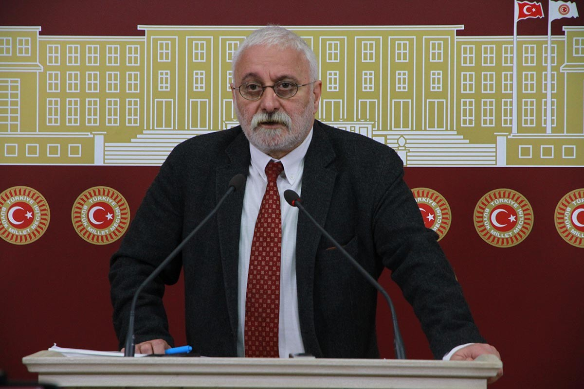 HDP Grup Başkan Vekili Saruhan Oluç