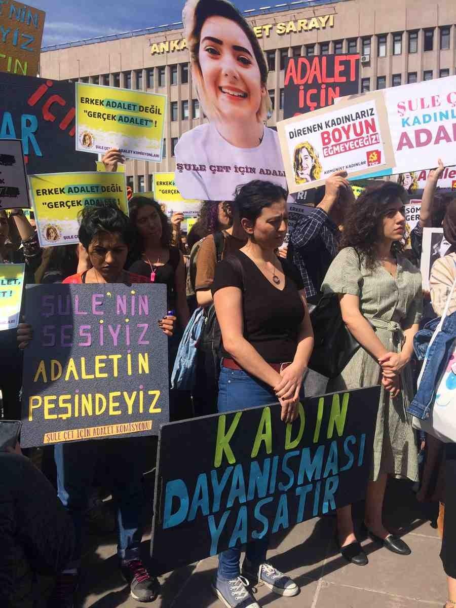 Şule Çet'in ölümüyle ilgili görülen davada kadınlar dayanışmaya geldi