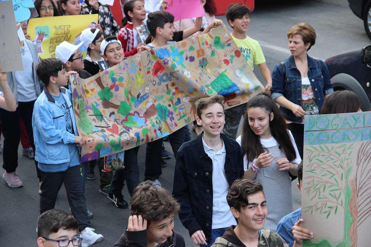 Ahmet Dalyanoğlu Ortaokulu'nda kitap festivalinin 7'ncisi düzenlendi