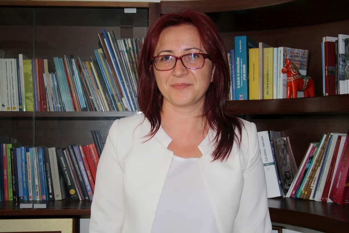 Eğitim Sen Genel Başkanı Feray Aytekin Aydoğan, MEB'in eğitimde yaz tatili düzenlemesi ile ilgili konuştu