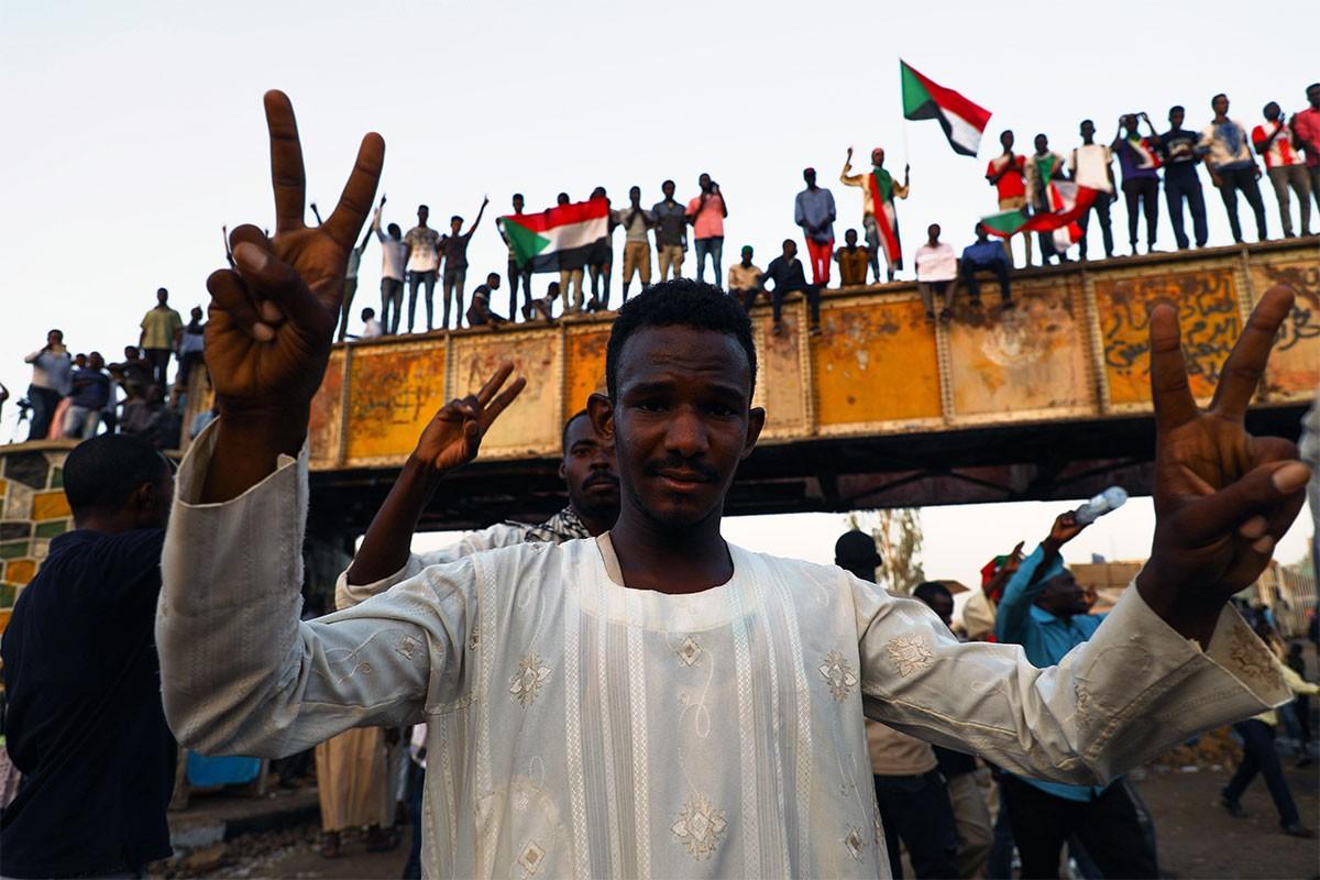 Sudan'da müzakere masası yeniden kuruluyor