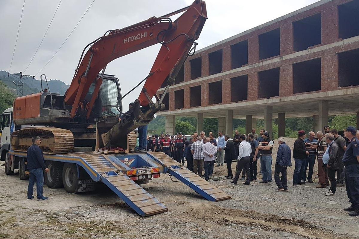 Rize'de kaçak yapıların yıkımı yine ertelendi