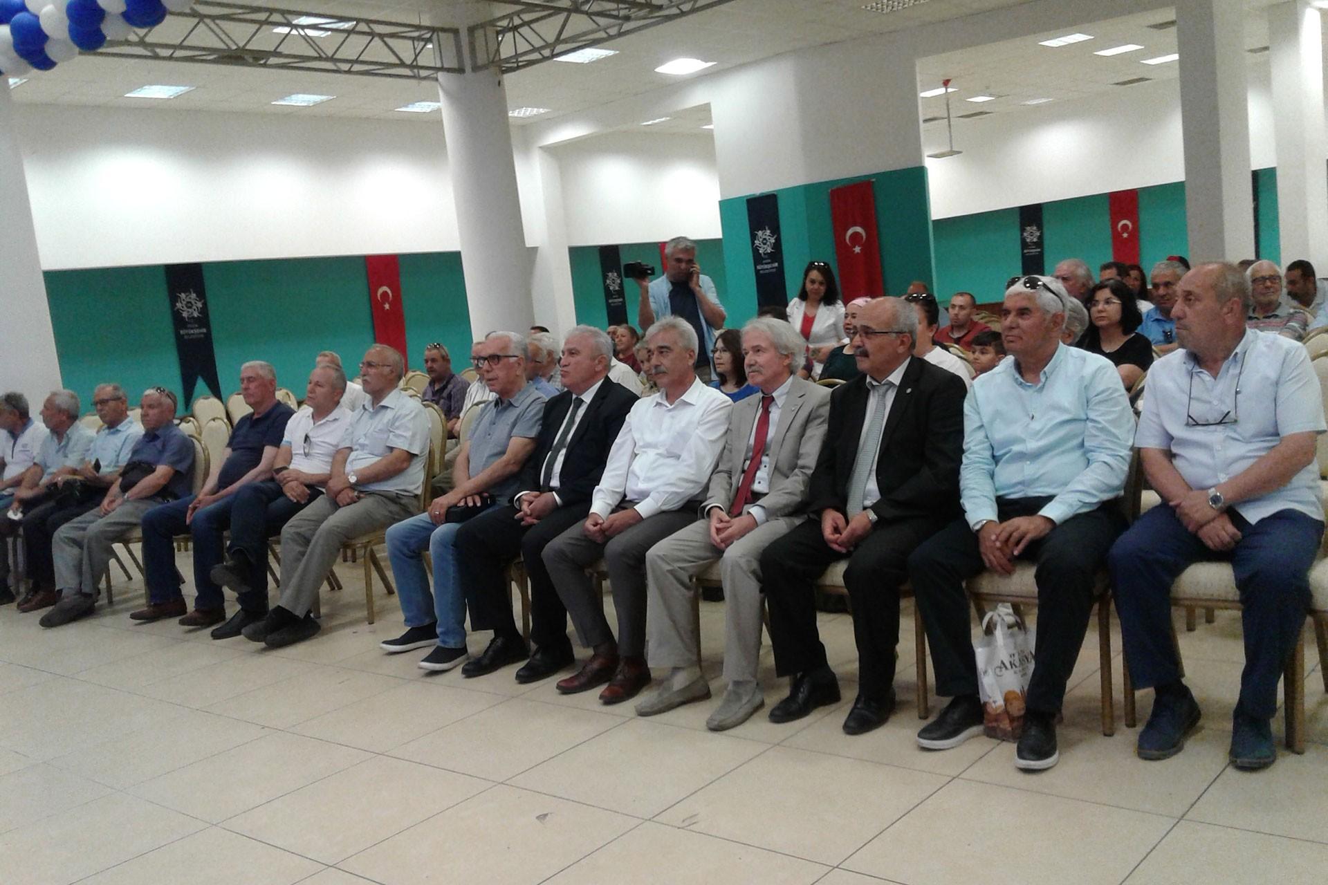 AYÇEP, Aydın'da jeotermal santrallerin önünü açacak torba yasayla ilgili basın toplantısı düzenledi.