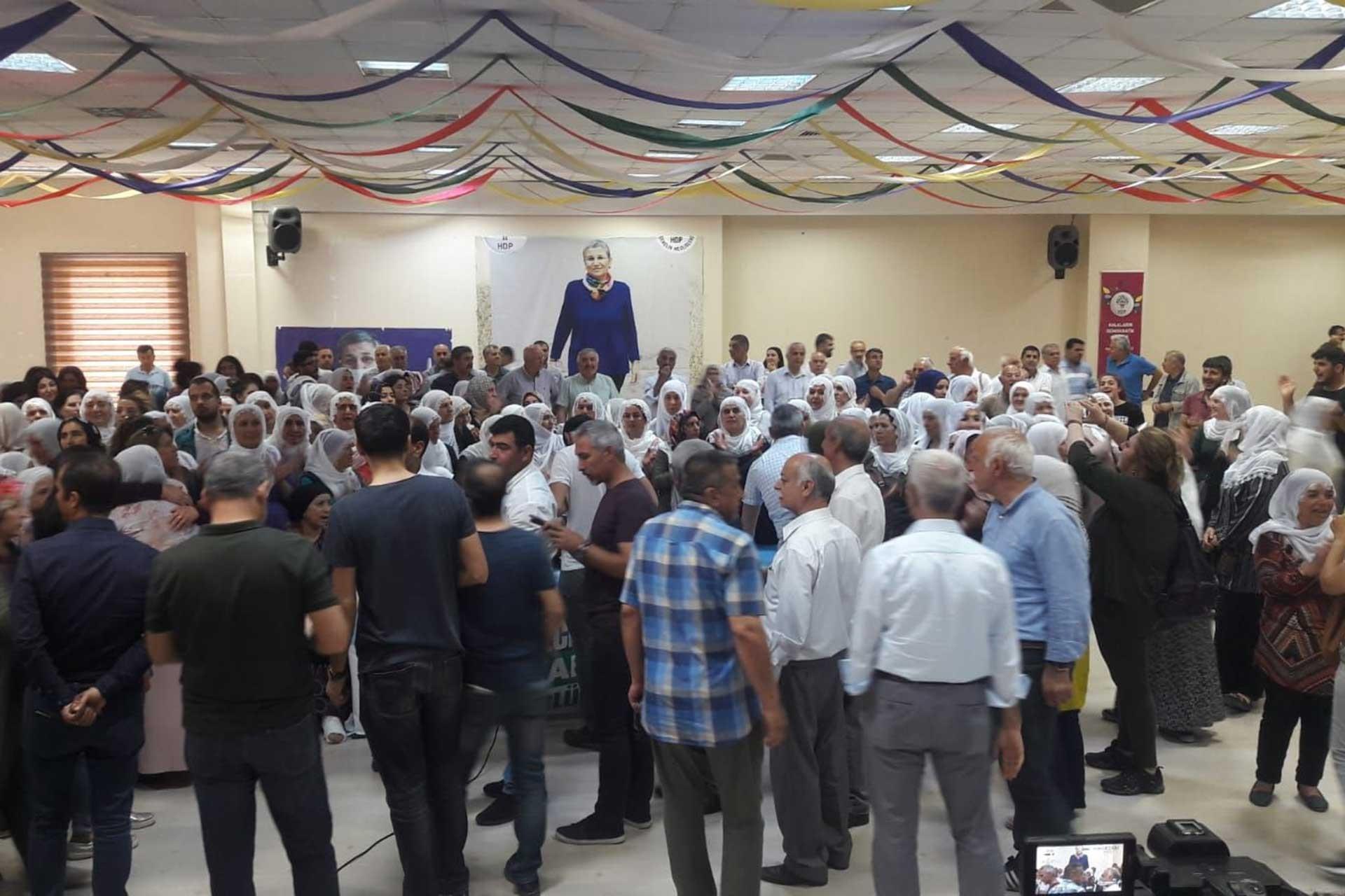 HDP Diyarbakır İl Binası