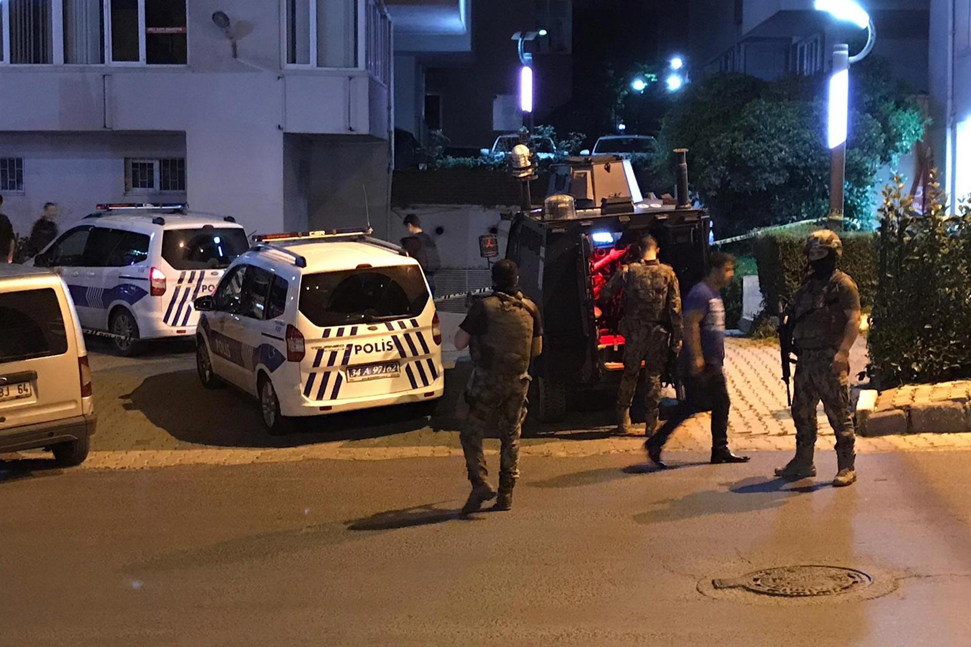 Üsküdar'da polislere ateş ettiği iddia edilen kişi gözaltına alındı