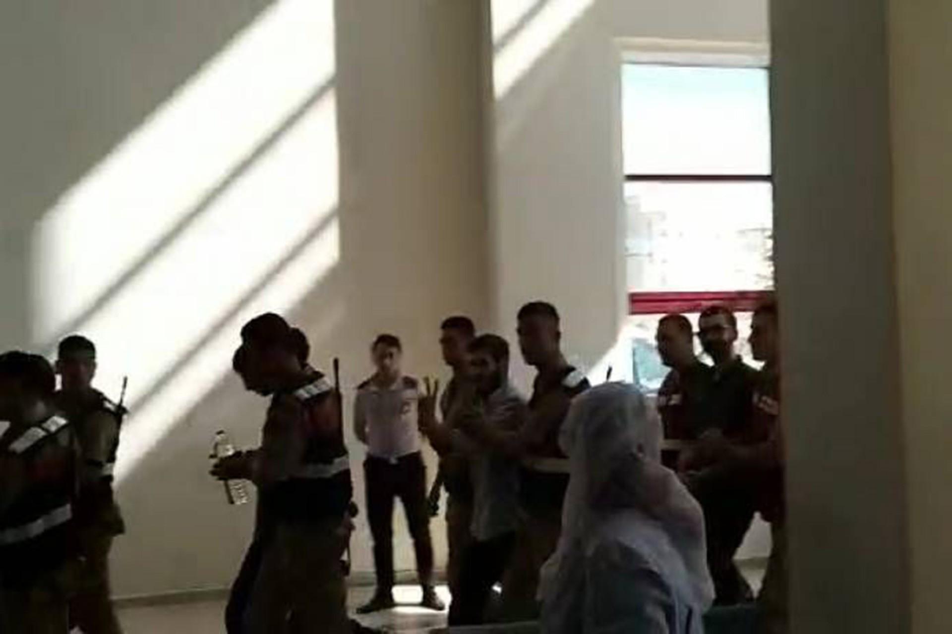 Açlık grevini sonlandıran 221 tutukludan sadece 21'i hastaneye kaldırıldı