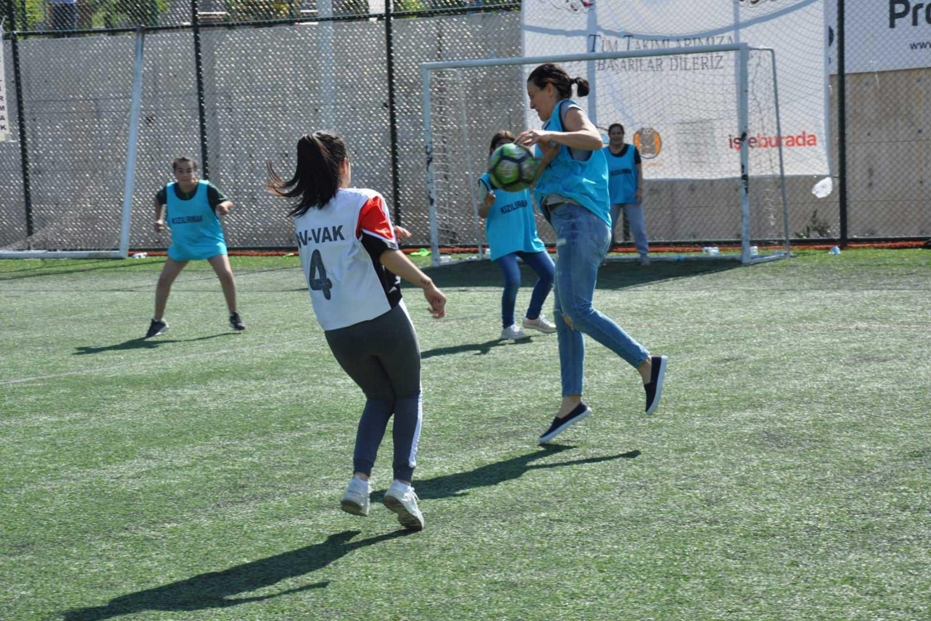 kadın futbolu