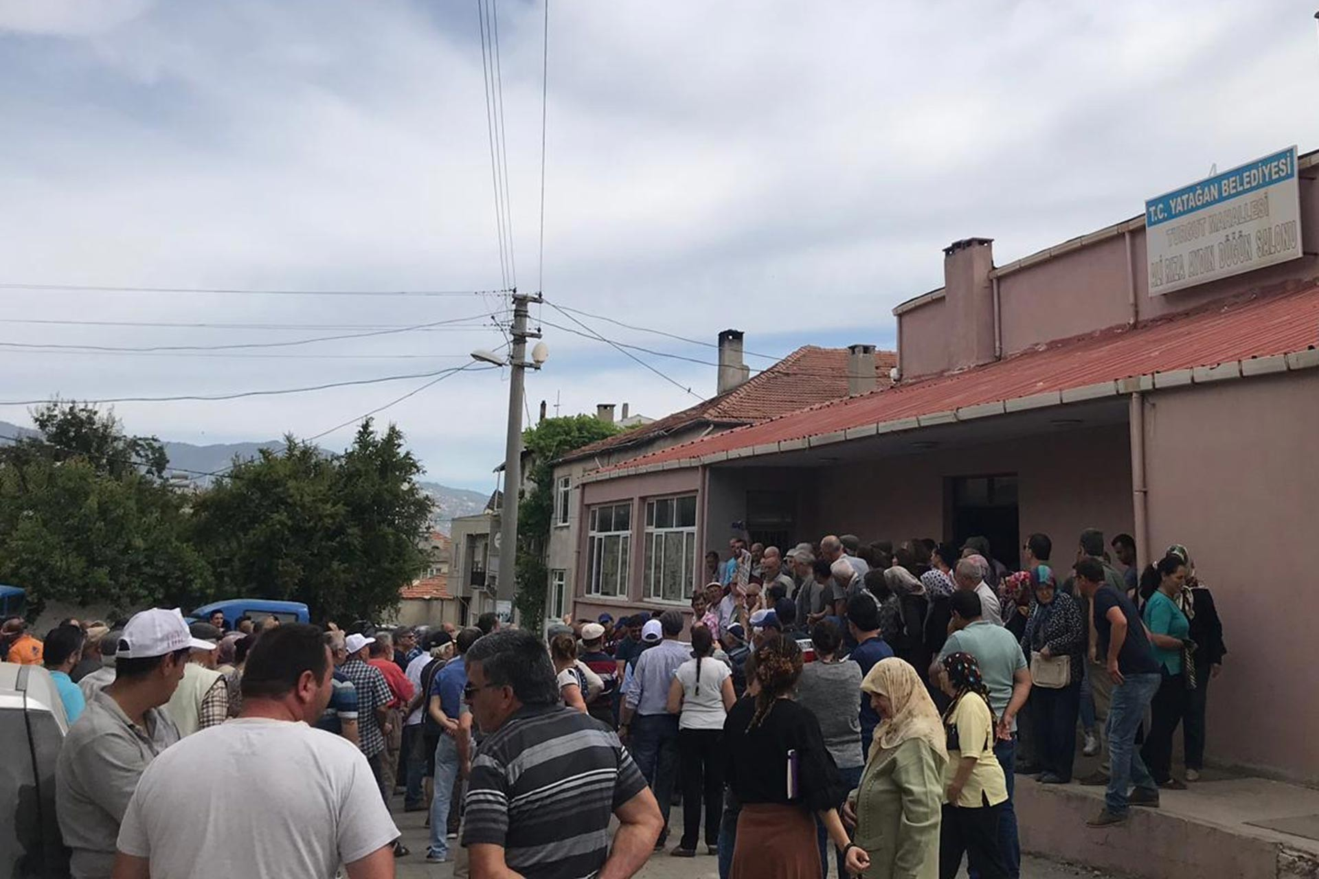 Yatağan Turgut köylüleri termikçilere ÇED toplantısı yaptırmadı